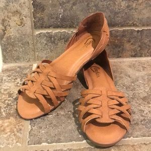Candies Strappy Sandal Flats 7 NWOT